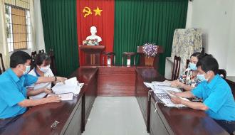 Liên đoàn Lao động huyện Trà Cú: Kiểm tra, đánh giá Công đoàn cơ sở khối trường học hoàn thành xuất sắc nhiệm vụ năm học 2020 – 2021