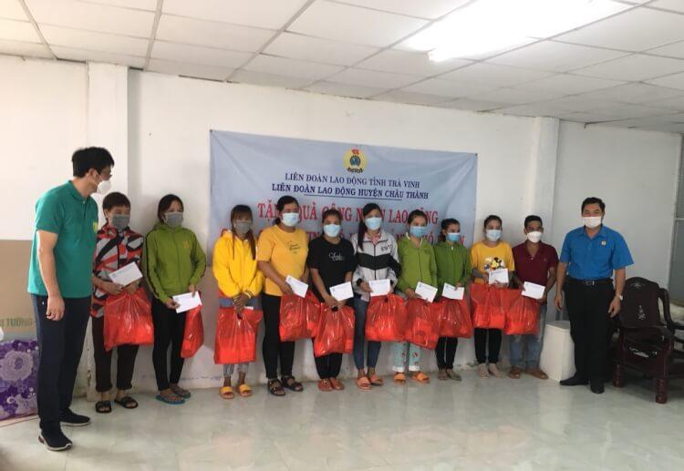 Liên đoàn Lao động huyện Châu Thành: Tặng quà cho 84 công nhân lao động có hoàn cảnh khó khăn