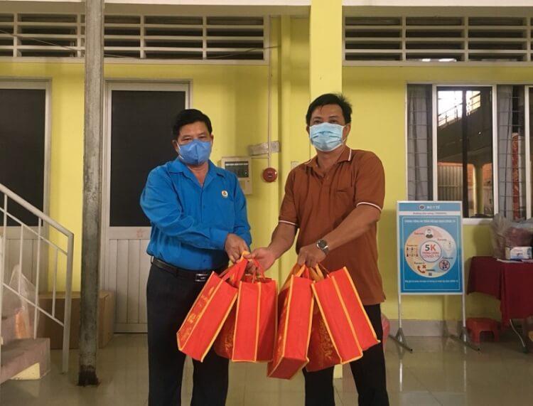Công đoàn Viên chức: 600 phần quà tết Trung thu tặng các cháu thiếu nhi